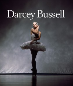DARCEY-BUSSELL-ON-THE-SOFA-AT-MOVE-IT1