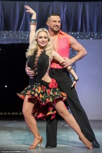 291D1F4700000578-3099532-Back_to_the_day_job_Kristina_Rihanoff_hit_the_dance_floor_with_f-a-134_1432743651128
