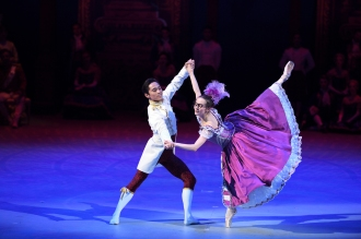 Katja-Khaniukova-and-Jeffrey-Cirio-in-Cinderella-in-the-round-c-Laurent-Liotardo-2